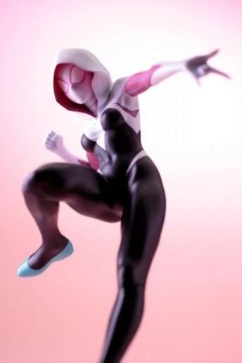 Koto-Bishoujo-Spider-Gwen-014