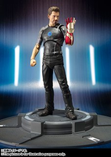 SH Figuarts Tony Stark (3)