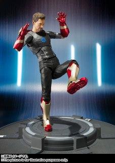 SH Figuarts Tony Stark (4)
