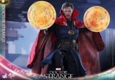 Hot Toys Strange 6