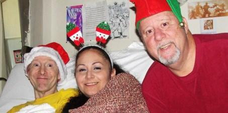 Bill Mantlo junto a su hermano Mike y la mujer de este
