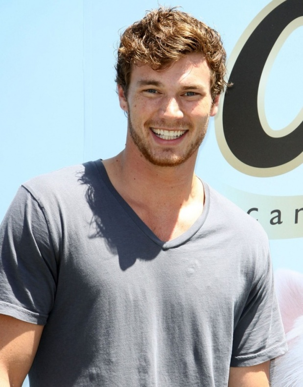 Derek Theler - New Warriors