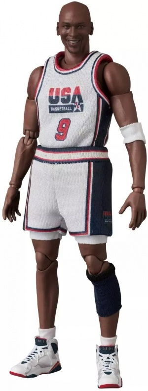 MAFEX-Dream-Team-Jordan-002
