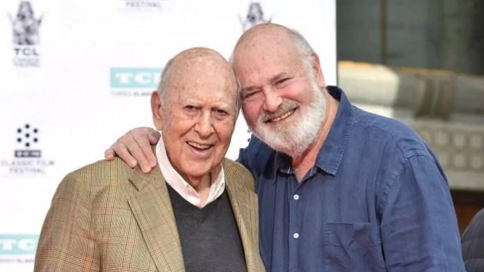 Carl Reiner y su hijo Rob Reiner, director de La princesa prometida