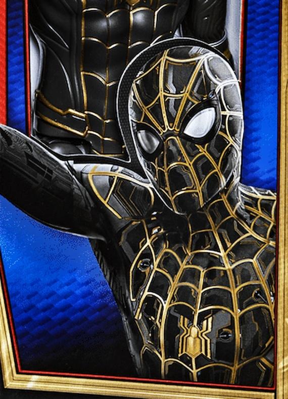 Spider Man No Way Home traje negro y dorado 01