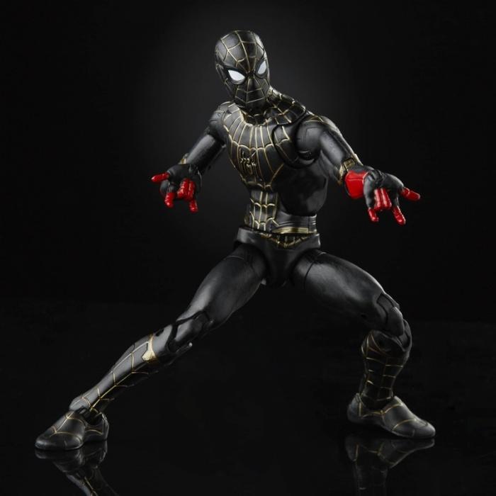 Spider Man No Way Home traje negro y dorado 05