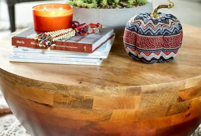 Tips to have a fall living room decor 04