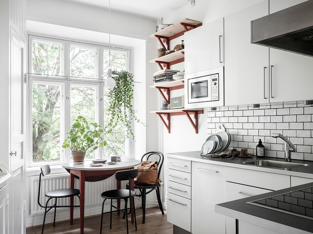 A mix of styles in just one apartment 15