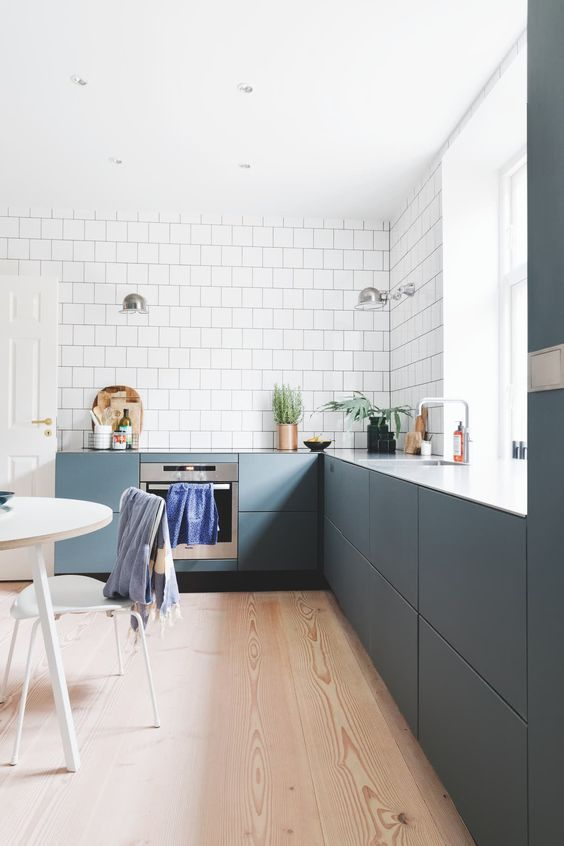 How To Illuminate Your Kitchen Countertop If You Do Not Have Upper Cabinets Or Shelves La Casa De Freja