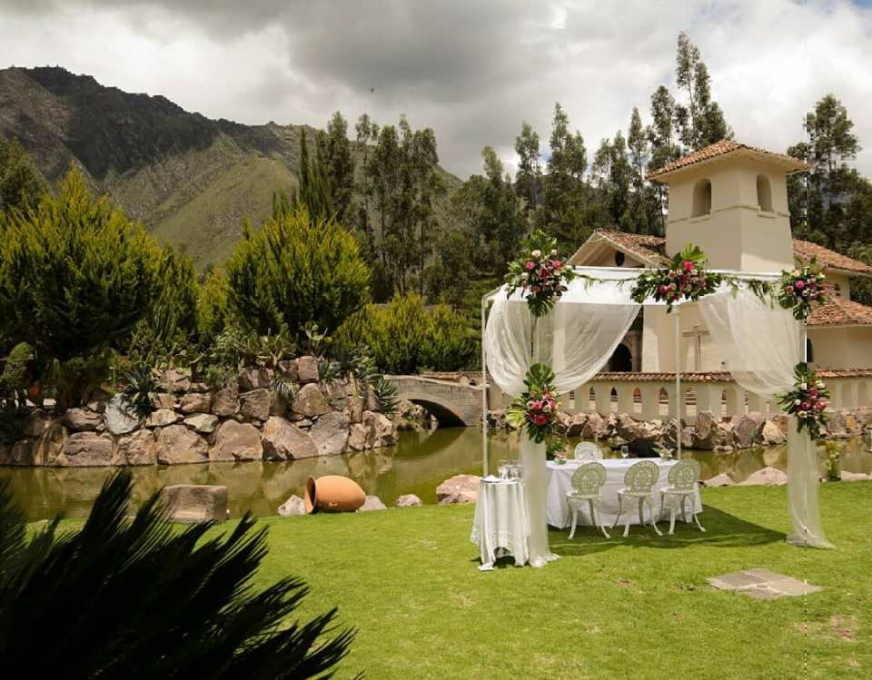 For the most romantic people Say I do in Peru b