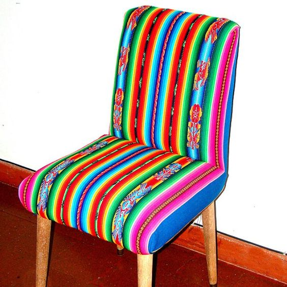 El aguayo, a textile piece from the Andes with a lot of color and tradition 01