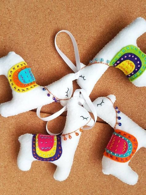 Peruvian inspiration to decorate your Christmas tree 08