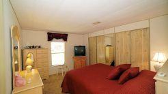 562 guest room