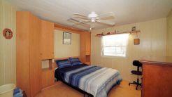 047 guest room