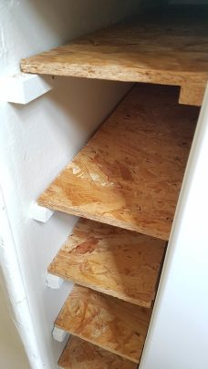 Des étagères pour optimiser la place dans la cuisine !