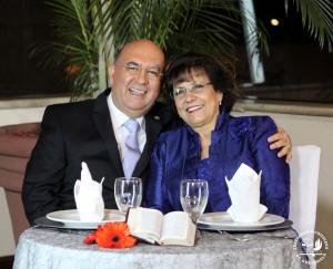 Mis papás los pastores Dr. Jorge H. López y la Dra. Elsy de López