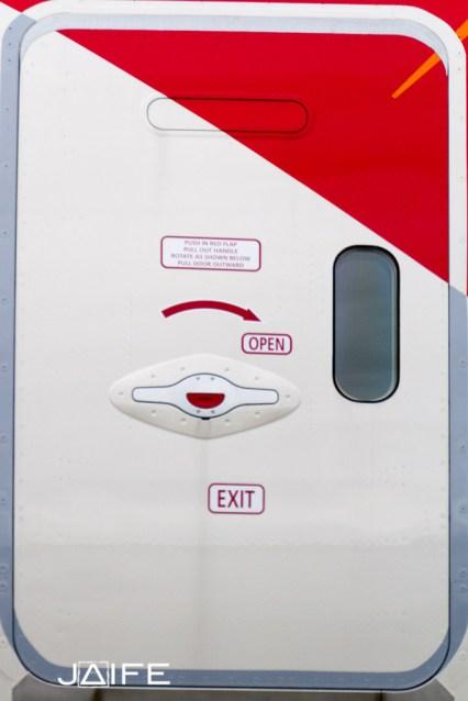 Dreamliner door