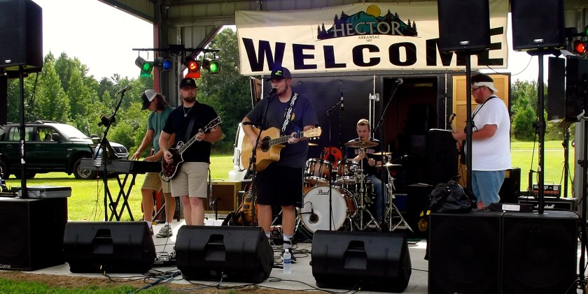 Brodie Lovelace Band playing center stage at Hector Fest. Photo by Lacey Keenan ©2016