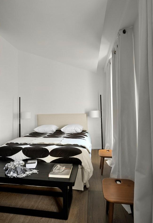 un attico minimalista a marsiglia by fran ois champseur. Black Bedroom Furniture Sets. Home Design Ideas