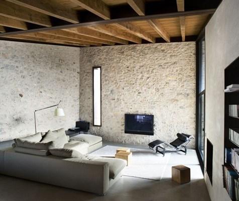 1-il-restauro-di-un-abitazione-medievale-a-girona-by-anna-noguera