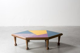 NILUFAR DEPOT - Hexagon Lino Side by Martino Gamper - Selected by La Chaise Bleue (lachaisebleue.com)