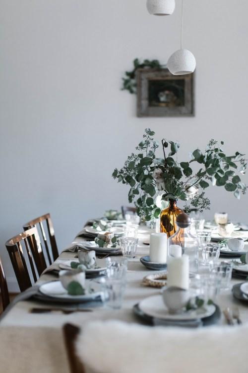 Weekend links #1   La Tavola di Natale   Christmas Table Settings   via: Local Milk Blog   Selected by La Chaise Bleue (lachaisebleue.com)