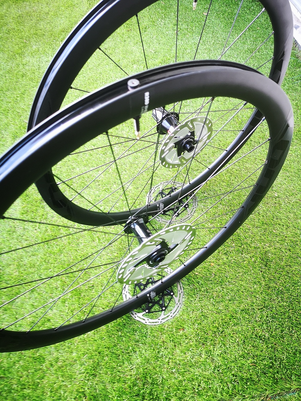 Roues LOOK RD 38 Tubeless : Une première !