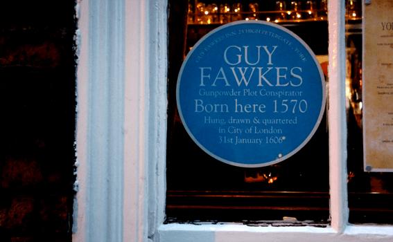 placca blu sulla casa di Guy Fawkes a York
