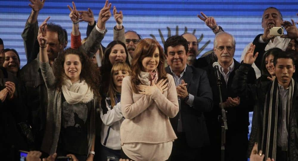 PASO: Cristina ganó la elección por 40.000 votos