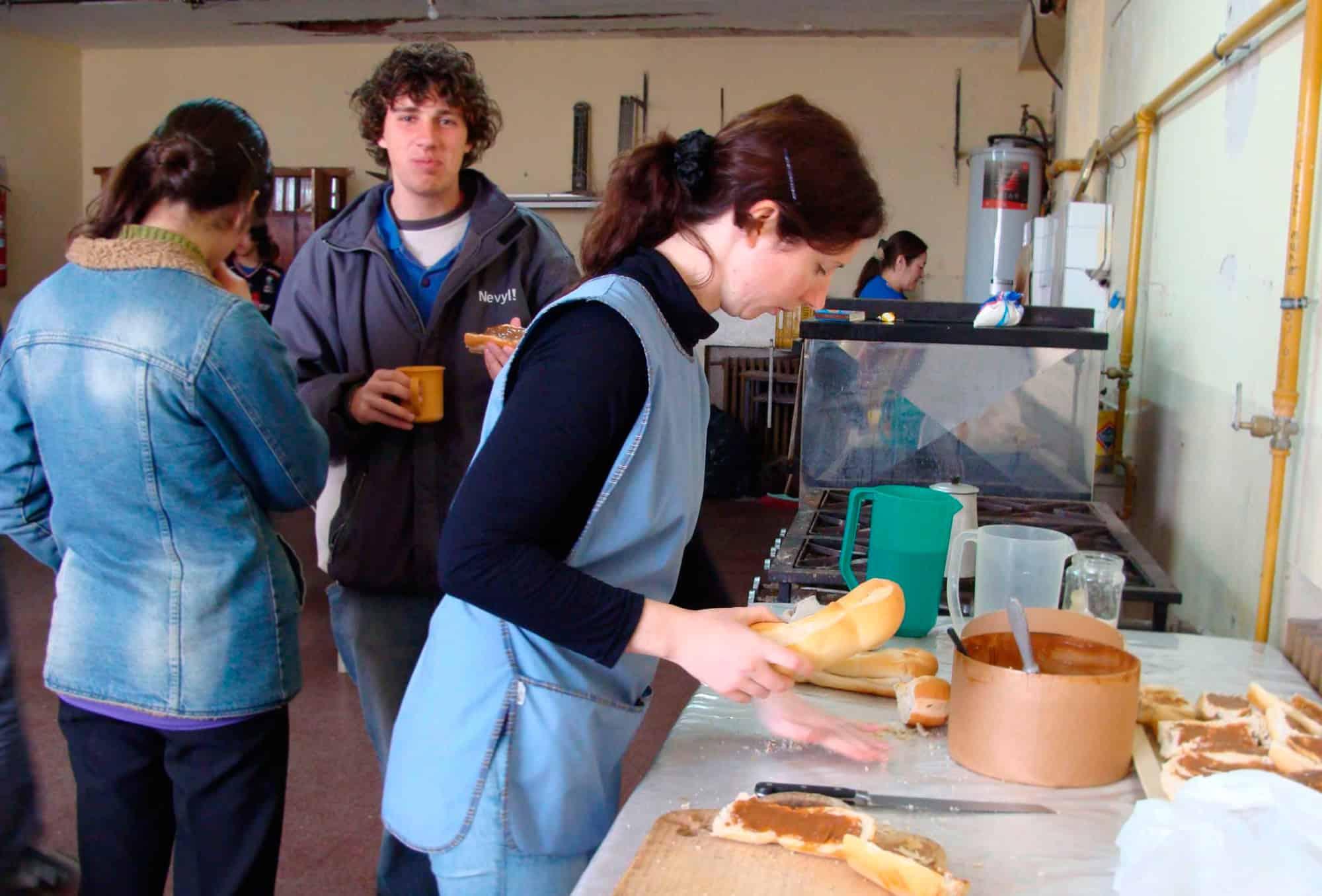 Ituzaingó: Se abre la inscripción para incorporar porteros y auxiliares de cocina en las escuelas