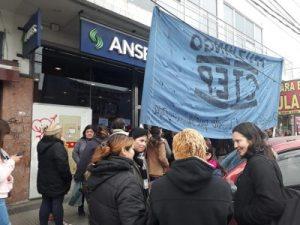 Agrupaciones sociales se manifestaron en Ituzaingó contra el traspaso de programas de emergencia social 2