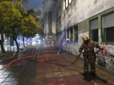 Incendio en el edificio de la escuela N° 1 y secundaria N°13 en pleno centro de Ituzaingó 10