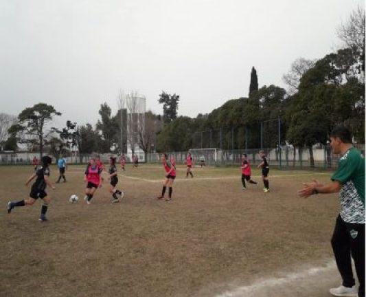 Fútbol Femenino: Las leonas avanzan en la puesta a punto para el inicio del campeonato 2