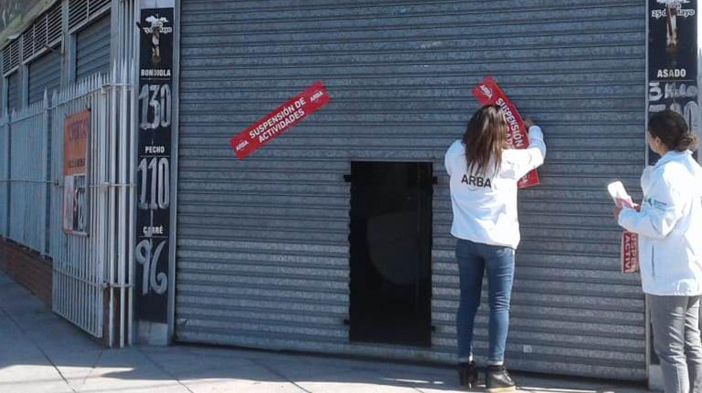 Indiganción y bronca en Ituzaingó: en un operativo sin precedentes ARBA está clausurando pequeños negocios en el barrio San Alberto