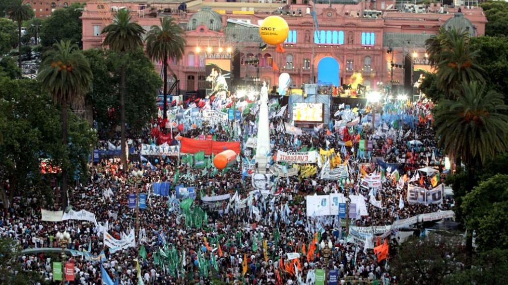 Preparan una Fiesta Popular en Plaza de Mayo para la asunción del Alberto y Cristina