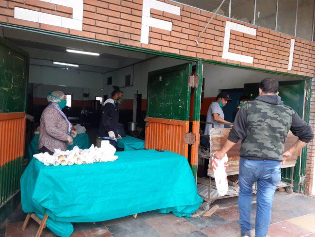 Olla solidaria en la Sociedad de Fomento Iparraguirre en Ituzaingó Sur 1
