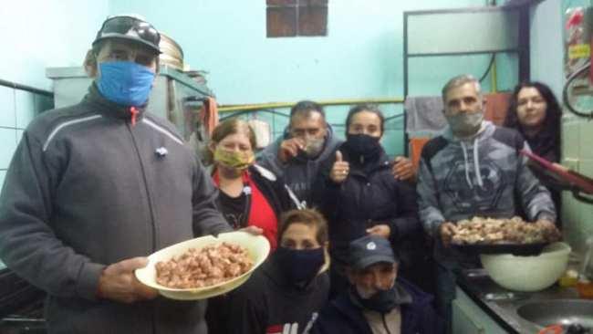 'La Juana' una fundación que prepara más de 200 viandas diarias para familias del barrio San Alberto 1