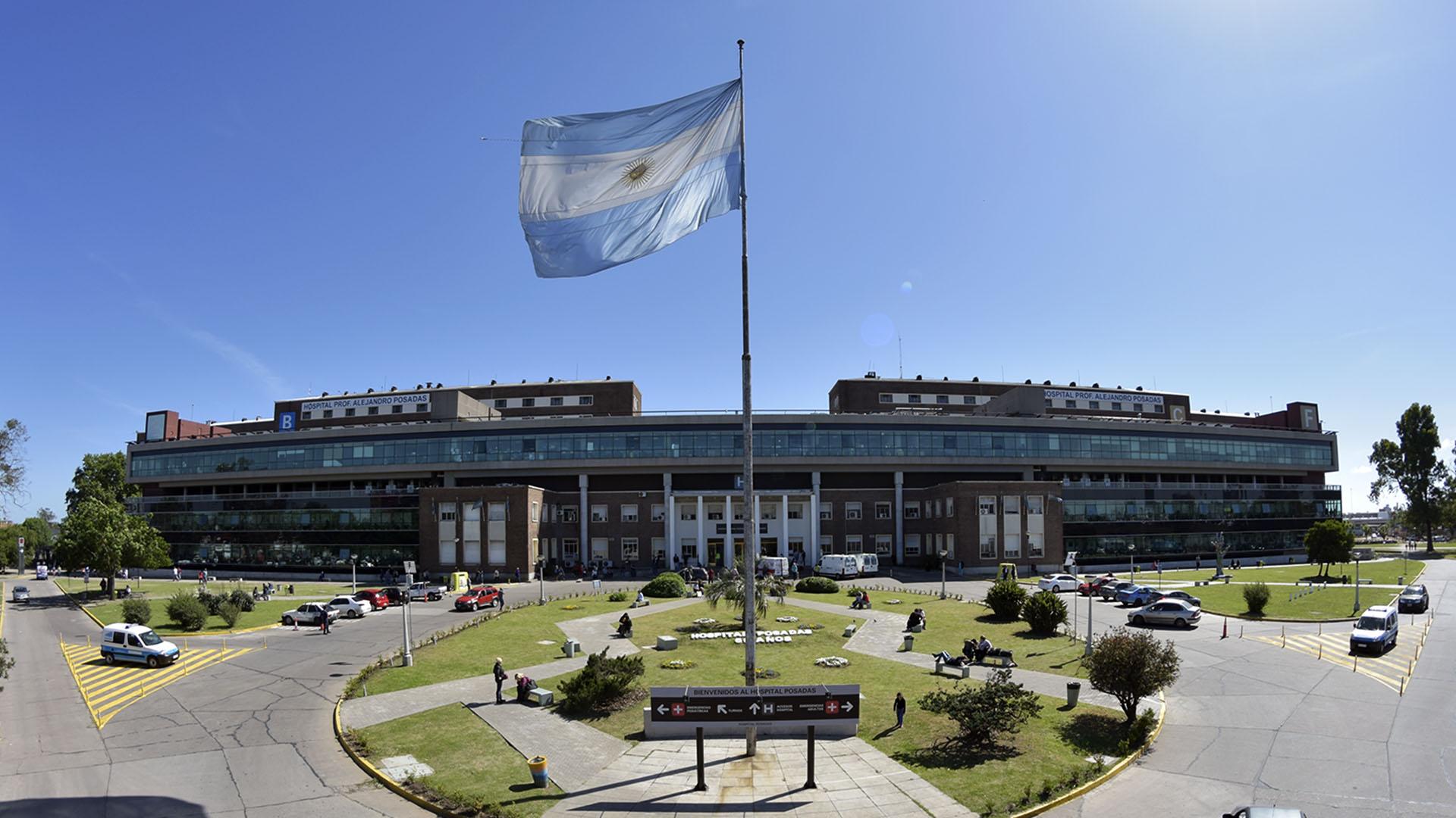 Situación crítica en el Hospital Posadas: el 30% de sus trabajadores está contagiado o aislado.