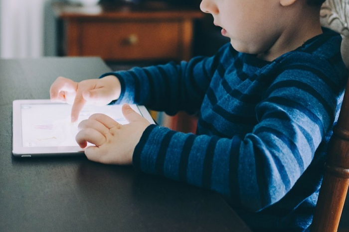 Unicef: 5 consejos para hacer la experiencia de tu hijo en internet más segura y positiva
