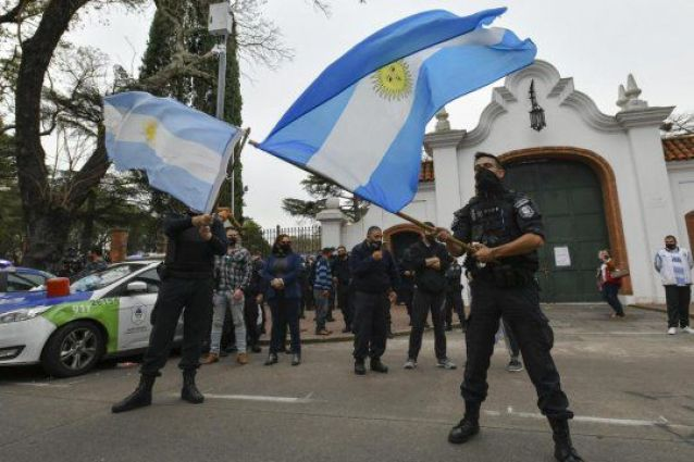 Los policías en Olivos rechazaron 2 veces la invitación del Presidente para conversar 1