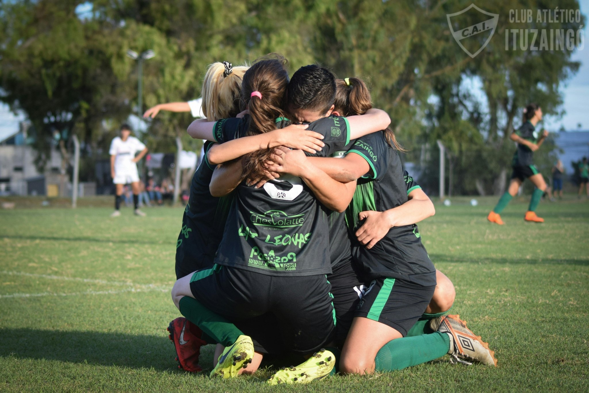 Fútbol femenino: Las Leonas del CAI vuelven a entrenarse, pensando en el reducido