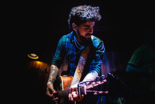 Santiago Vaina presenta su álbum debut como solista 3