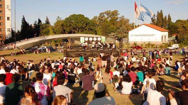 Ituzaingó: Autorizan recitales y actividades culturales al aire libre con limitaciones