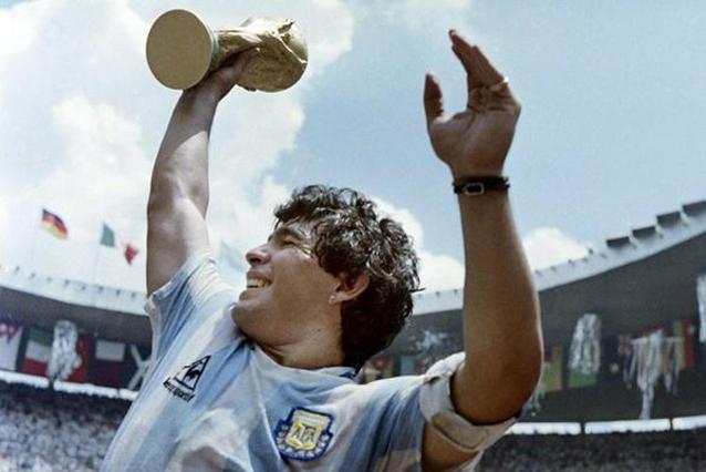 El mundo rendido a los pies de Diego