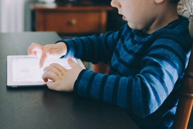 ¿Cómo afecta la sobre exposición digital a los niños? 1