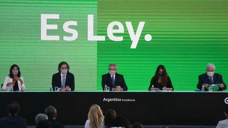 La ley del aborto y el programa de los 1000 días ya rigen en toda la Argentina