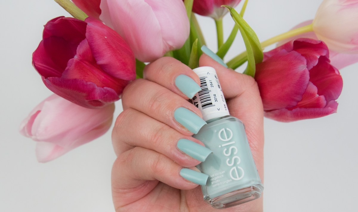 Essie, Strike A Pose-itano, strike, a, pose, itano, positano, resort, le, limited, edition, swatch, swatches, nailswatch, vergleich, comparison, mint candy apple, blossom dandy, udon know me, polish, nagellack, varnish, lacquer
