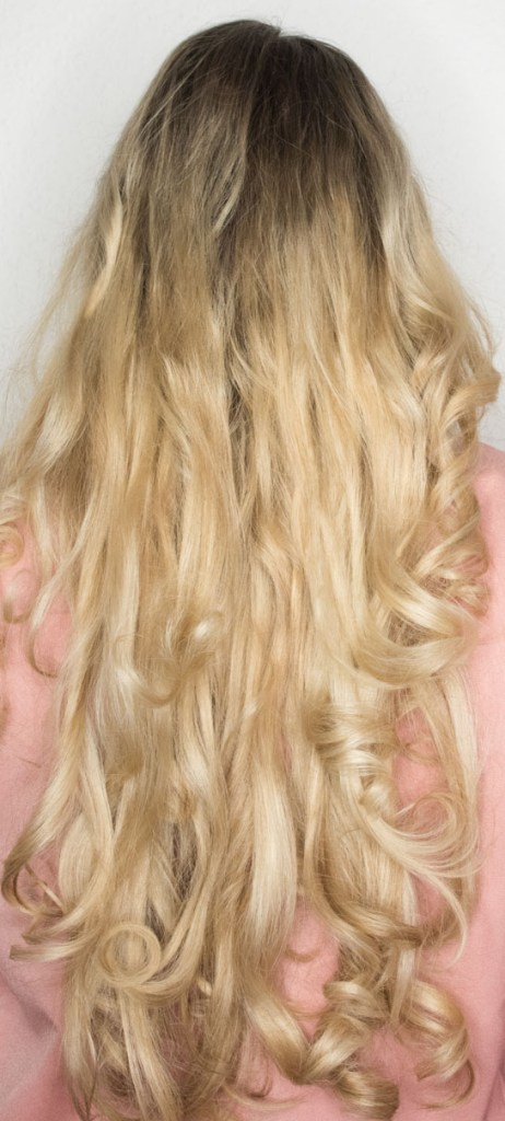 long hair, blond, lange haare, wie, bekommt, man, lange, haare, haarpflege, haar-routine, haarprodukte, produkte, pflege, haar, hair, dessange, redken, wella, eimi, hitzeschutz, shampoo, conditioner, spülung, kur, haaröl, öl, tipps, tricks, hack, hacks, styling
