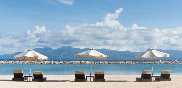 lacné dovolenky pláž lehátka