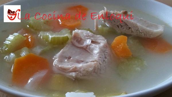 06.04.16 Sopa de pollo con verduras (9)